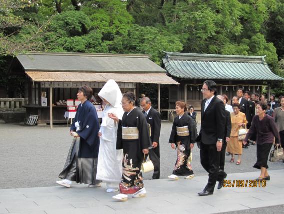 вежливые японцы